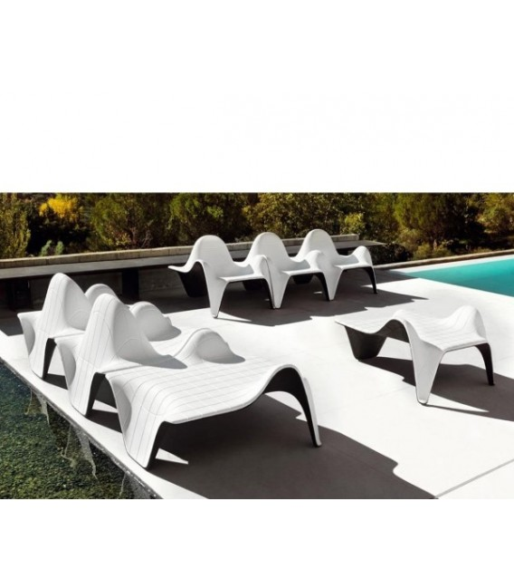 Mesita apilable by Vondom