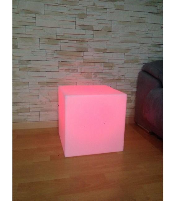 Puff con luz modelo Cuby