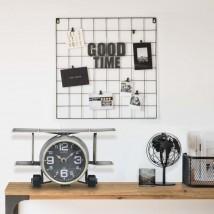 Reloj Aviador en metal gris y madera