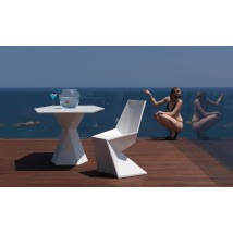 Silla triangular by Vondom